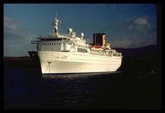 Falklandscruiseshipcostaallegra723_1